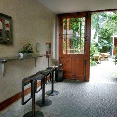 Отель Arte Luise Kunsthotel Германия, Берлин - 3 отзыва об отеле, цены и фото номеров - забронировать отель Arte Luise Kunsthotel онлайн интерьер отеля фото 2