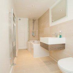 Отель Modern 2 Bed Garden Flat, St Johns Wood ванная фото 2