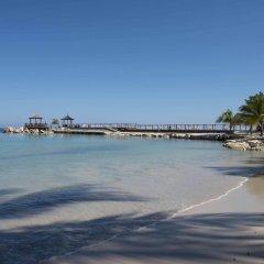Отель Hilton Rose Hall Resort & Spa - All Inclusive Ямайка, Монтего-Бей - отзывы, цены и фото номеров - забронировать отель Hilton Rose Hall Resort & Spa - All Inclusive онлайн приотельная территория фото 2