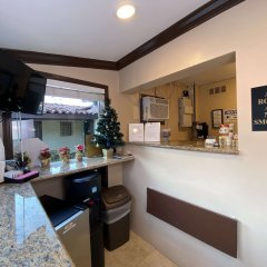 Апартаменты El Patio Inn Studio City Лос-Анджелес удобства в номере