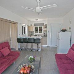 Отель Evelina Apartment Кипр, Протарас - отзывы, цены и фото номеров - забронировать отель Evelina Apartment онлайн комната для гостей фото 2