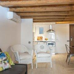 Отель Apartamentos Radas Барселона комната для гостей фото 3