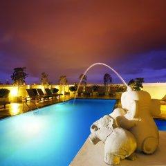 Отель Rikka Inn Бангкок бассейн