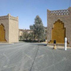 Отель Les Portes Du Desert Марокко, Мерзуга - отзывы, цены и фото номеров - забронировать отель Les Portes Du Desert онлайн парковка