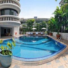 Отель Solitaire Bangkok Sukhumvit 11 бассейн фото 2