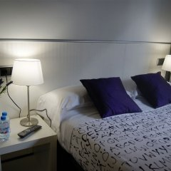 Отель Hostal Q Испания, Барселона - отзывы, цены и фото номеров - забронировать отель Hostal Q онлайн комната для гостей фото 2