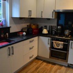 Отель 3 Bedroom Family Home Near The DLR в номере