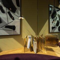 Отель Conscious Hotel Museum Square Нидерланды, Амстердам - 10 отзывов об отеле, цены и фото номеров - забронировать отель Conscious Hotel Museum Square онлайн интерьер отеля фото 3