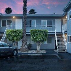 Отель Santa Monica Motel парковка