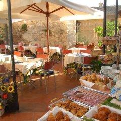 Отель Leon Bianco Италия, Сан-Джиминьяно - отзывы, цены и фото номеров - забронировать отель Leon Bianco онлайн питание фото 2