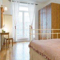 Отель Little Home - Red Flower комната для гостей