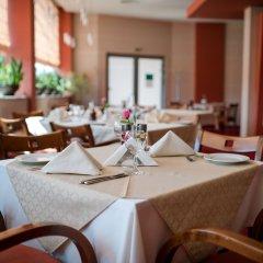Отель Park Hotel ex. Best Western Park Hotel Болгария, Варна - отзывы, цены и фото номеров - забронировать отель Park Hotel ex. Best Western Park Hotel онлайн питание фото 3