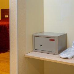 Гостиница Аветпарк сейф в номере
