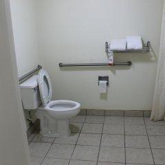 Отель Howard Johnson by Wyndham Vicksburg ванная фото 2