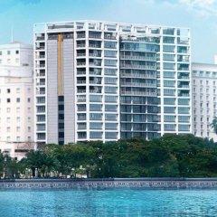 Отель The Landmark пляж
