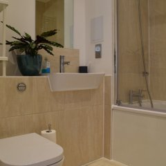 Апартаменты 1 Bedroom Apartment With Balcony Near Regent's Canal ванная фото 2
