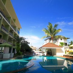 Отель Di Pantai Boutique Beach Resort бассейн