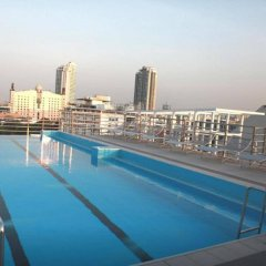 Отель Bangkok 68 бассейн