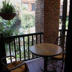 Отель Vajra Непал, Катманду - отзывы, цены и фото номеров - забронировать отель Vajra онлайн балкон
