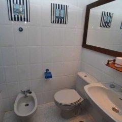 Отель Playa La Arena Испания, Арнуэро - отзывы, цены и фото номеров - забронировать отель Playa La Arena онлайн ванная