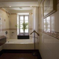 Отель Vivanta Ambassador, New Delhi Индия, Нью-Дели - отзывы, цены и фото номеров - забронировать отель Vivanta Ambassador, New Delhi онлайн ванная