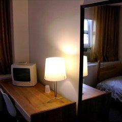 Отель West Side YMCA удобства в номере