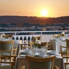 Отель Mitsis Family Village Beach Hotel Греция, Калимнос - отзывы, цены и фото номеров - забронировать отель Mitsis Family Village Beach Hotel онлайн питание фото 3