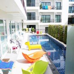 Отель The Frutta Boutique Patong Beach бассейн