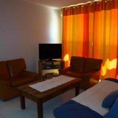 Отель Property With one Bedroom in Saint-hippolyte-le-graveyron, With Wonder комната для гостей
