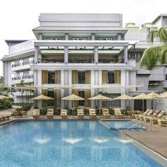 Отель Le Meridien Goa Calangute бассейн