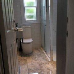 Апартаменты Beautiful City Centre 1 Bedroom Apartment ванная фото 2