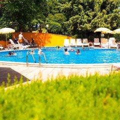 Отель Briz 2 Hotel Болгария, Варна - отзывы, цены и фото номеров - забронировать отель Briz 2 Hotel онлайн бассейн фото 3