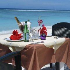 Отель Le Vieux Nice Inn Мальдивы, Северный атолл Мале - отзывы, цены и фото номеров - забронировать отель Le Vieux Nice Inn онлайн пляж фото 2