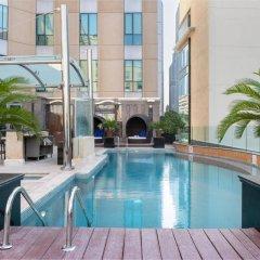 Radisson Blu Hotel, Dubai Media City бассейн фото 3