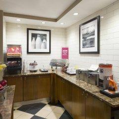 Отель Hampton Inn Manhattan Chelsea США, Нью-Йорк - отзывы, цены и фото номеров - забронировать отель Hampton Inn Manhattan Chelsea онлайн питание фото 3