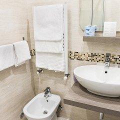 Отель Domus Trevi Италия, Рим - отзывы, цены и фото номеров - забронировать отель Domus Trevi онлайн ванная фото 3