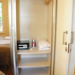 Отель Ortakoy Bosphorus Apart сейф в номере