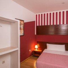 Отель Hostal La Casa de La Plaza Испания, Мадрид - отзывы, цены и фото номеров - забронировать отель Hostal La Casa de La Plaza онлайн комната для гостей фото 4