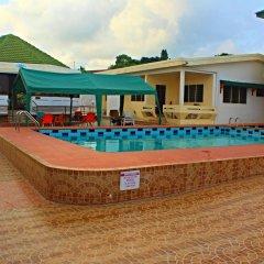 Hotel Loreto бассейн