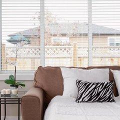 Отель Private and Cozy 2bdr 2BA Home in Kitsilano Канада, Ванкувер - отзывы, цены и фото номеров - забронировать отель Private and Cozy 2bdr 2BA Home in Kitsilano онлайн комната для гостей фото 2