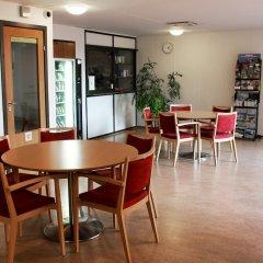Отель Aarhus Hostel Дания, Орхус - отзывы, цены и фото номеров - забронировать отель Aarhus Hostel онлайн питание фото 2