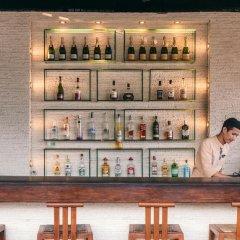 Отель Buri Rasa Village гостиничный бар