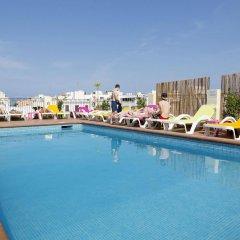 Отель Apartamentos Casa Maria бассейн