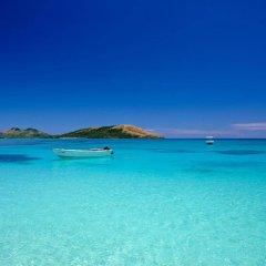 Отель Barefoot Manta Island пляж фото 2