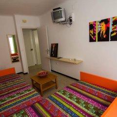 Отель Agi Sant Antoni Испания, Курорт Росес - отзывы, цены и фото номеров - забронировать отель Agi Sant Antoni онлайн удобства в номере