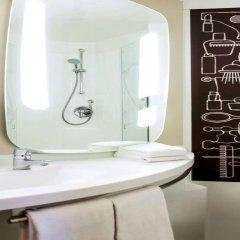 Отель Ibis Amsterdam City Stopera Нидерланды, Амстердам - отзывы, цены и фото номеров - забронировать отель Ibis Amsterdam City Stopera онлайн ванная фото 2