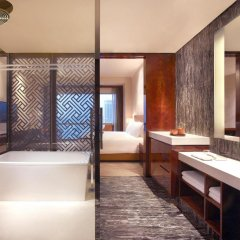 Отель Grand Hyatt Shenzhen Китай, Шэньчжэнь - отзывы, цены и фото номеров - забронировать отель Grand Hyatt Shenzhen онлайн ванная фото 2