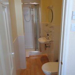 The Beverley Hotel ванная