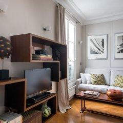 Отель Rue de Bassano by Onefinestay комната для гостей фото 5