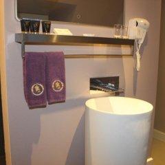 Отель B&B Saint-Georges сейф в номере